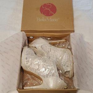 🆕️ Bella Marie Helena White Shoeties 8